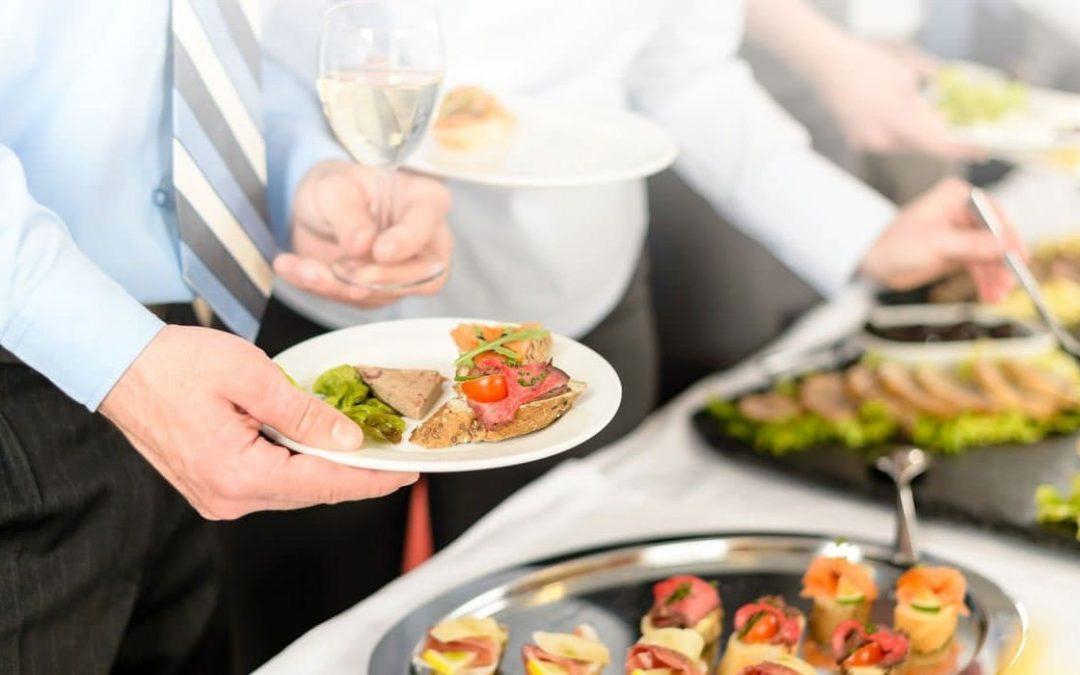 Beneficios de contratar un servicio de catering para tu negocio